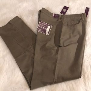Size 16 Gloria Vanderbilt Jeans